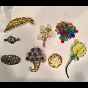 Jewelry - Two Days Only! 8 Vintage Brooches